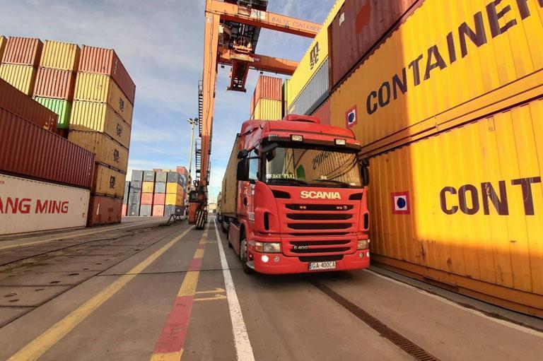 Transport kontenerów ciężkich